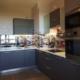 Кухня с графитовыми фасадами