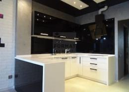 Стильная чёрно-белая кухня