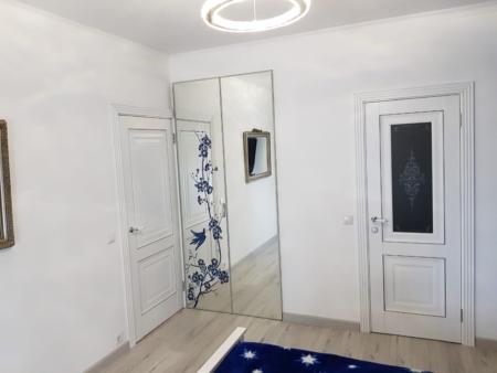 Двери-гармошки с зеркалами